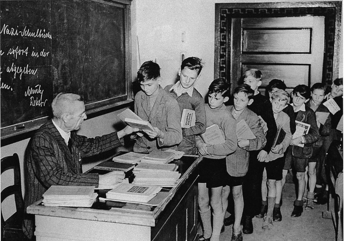 德意志民族宿命之年:1945